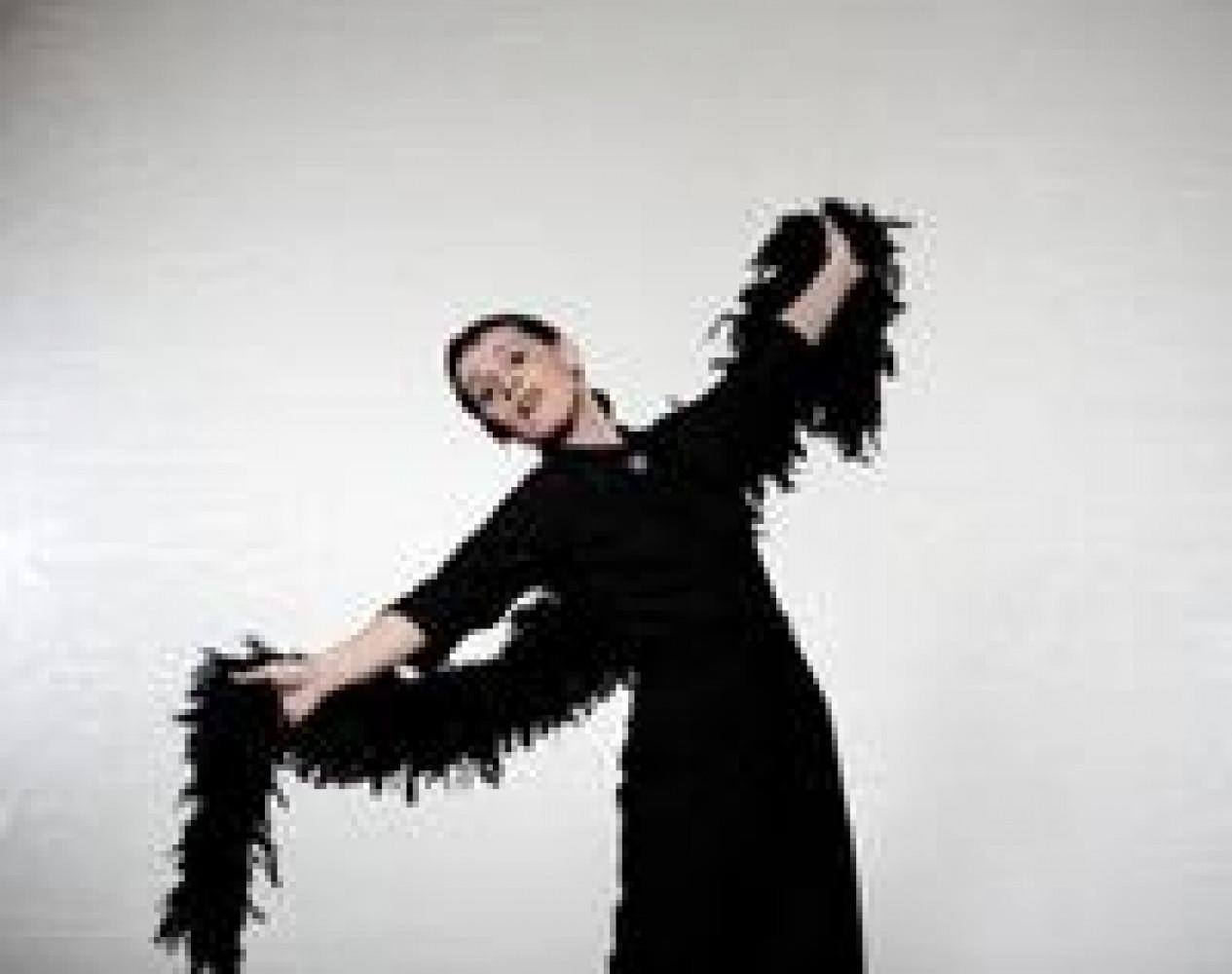 """Bild """"La Signoras Comedy Club III"""" mit Carmela de Feo bei """"Stage 3"""" – das Festival für Theater, Komik, Kleinkunst und außergewöhnliche Klänge"""