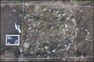 Archäologen gehen vorsichtig und nach wissenschaftlichen Methoden vor, damit wichtige Erkenntnisse nicht verloren gehen.