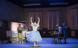 Cendrillon (Aschenputtel) | Komische Oper Berlin | Foto: Monika Rittershaus
