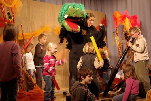 Der kleine Rabe und die Kinder machen Musik!